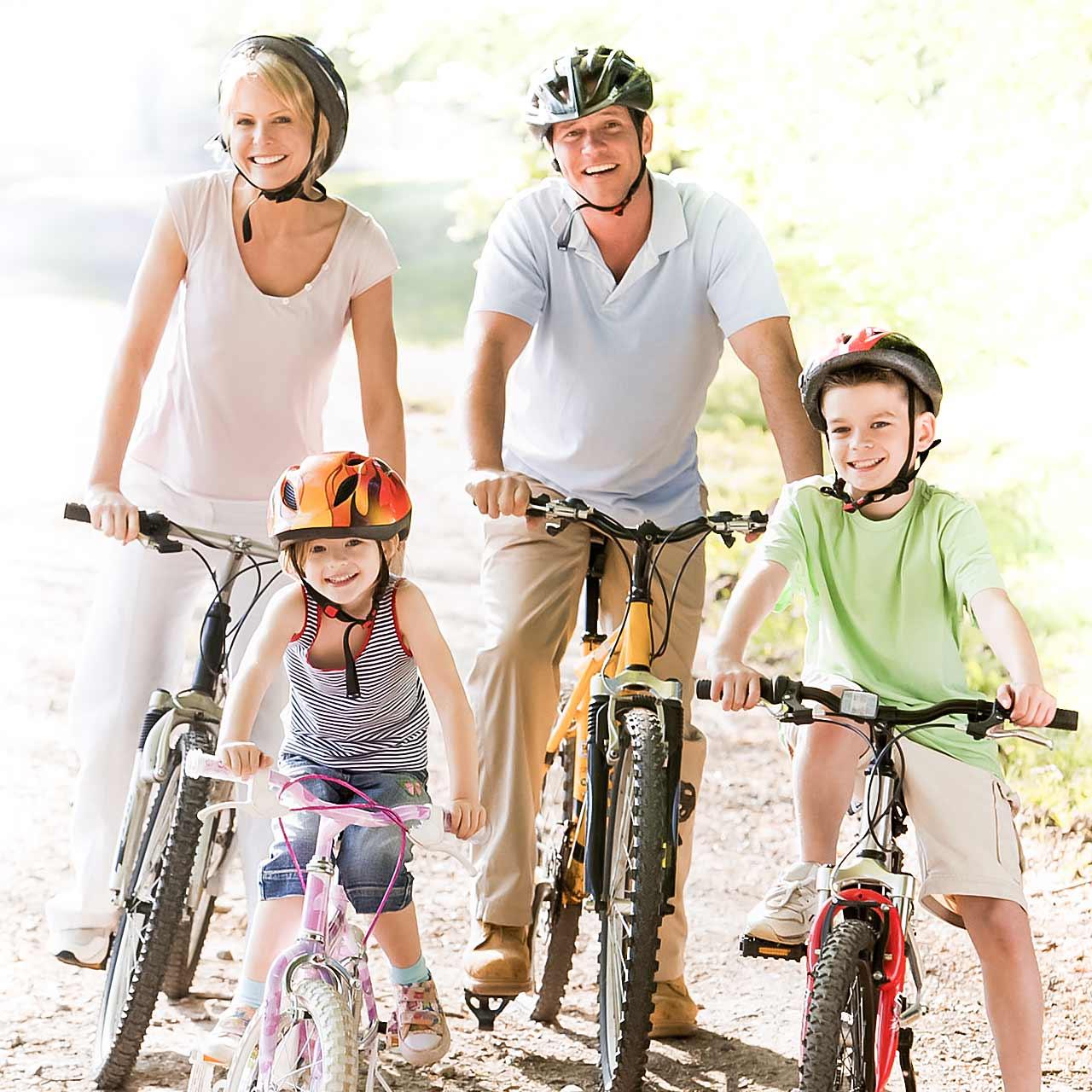 Seiten-Bild-FahrradFamilie